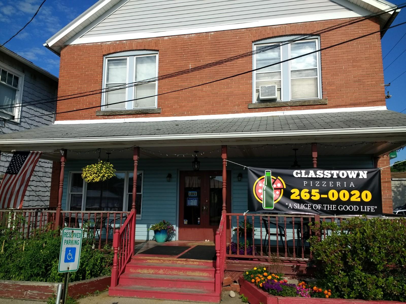 Glasstown Pizzeria