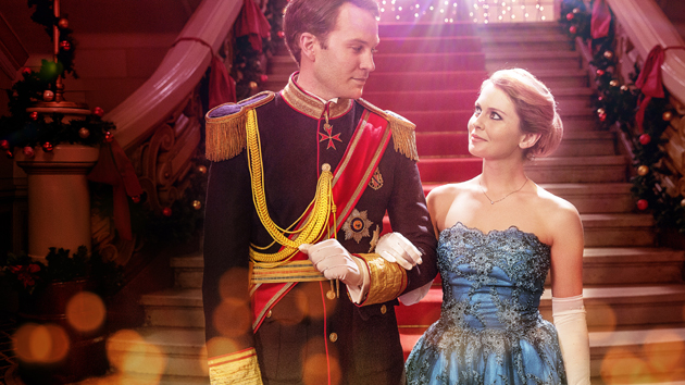 """Ben Lamb and Rose McIver in """"A Christmas Prince""""; Netflix"""