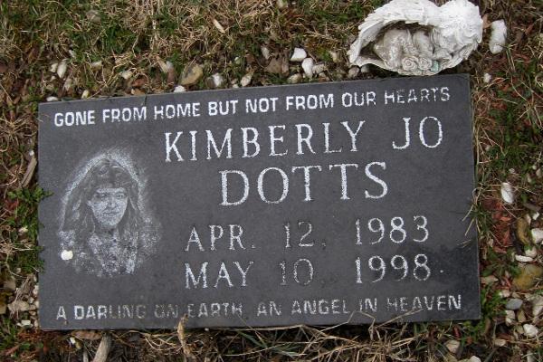 Kimberly Dotts grave Jessica Holtmeyer