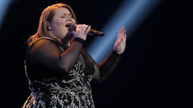 """MaKenzie Thomas on """"The Voice""""; Trae Patton/NBC"""