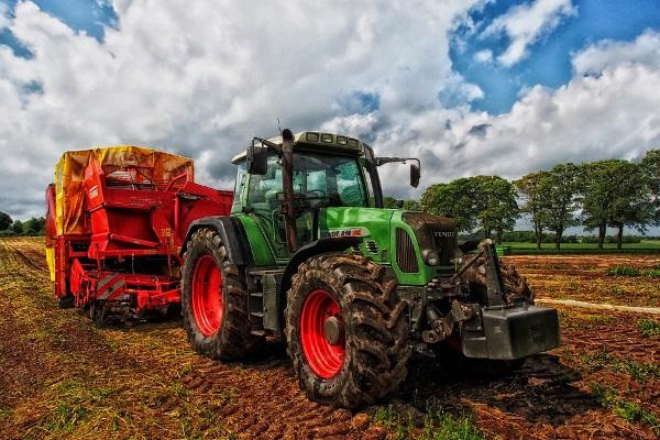 tractor pull farm