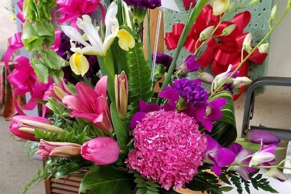 April's Flowers DuBois