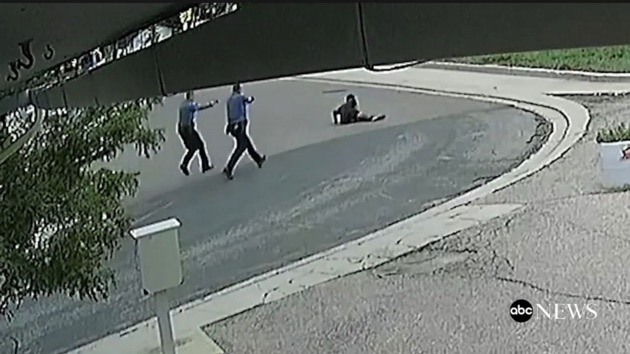 Security footage shows the moment De'Von Bailey was shot by police officers. (ABC News)
