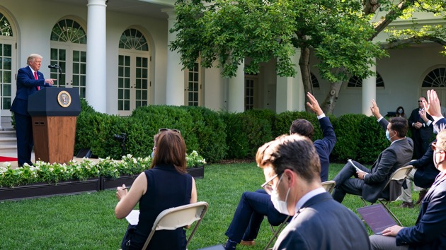 Official White House Photo by Tia Dufour